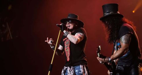 <p><strong><em>Guns N' Roses started their official fall tour on Wednesday night at the Spectrum Center in Charlotte. While the band performed a warm-up show in Los Angeles on September 21.</em></strong></p>