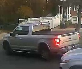 <p>PHILADELPHIA — Philadelphia police are looking for a driver whom they say has tried to lure a young girl into a truck in northeast Philadelphia. This incident was just before 6 p.m. Friday on the 3500 blocks of Teton Road.</p><p>The police tweeted a picture of the vehicle of the suspect.</p><p>The driver is identified as a person in his 50s wearing a black shirt and jeans.</p><p><br></p><p>If you have any details, please contact the police.</p>