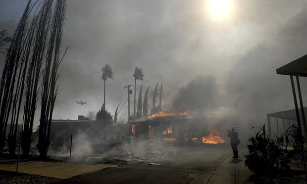 <p>On Thursday a rapidly expanding blaze struck a mobile home community in San Francisco, with millions of local residents left without electricity in the background of a high fire risk. Authorities said the fire in Calimesa district of the county of Riverside near Los Angeles was one of many blazes fuelled by hot dry winds in the country.</p><p>The fire quickly burned nearly two dozen homes as firefighters fought to avoid it. There were several' medical emergencies' in the Villa Calimesa mobile home park confirmed by a county fire department release, but few more specifics are available. Authorities say the fire was caused by the burning waste of a trash truck along a street. The community was not among the most recent areas, where energy providers had reduced power to prevent wildfires triggered by wind-blown wires.</p><p>Northern and Southern California's utilities had shut down nearly two million customers by Wednesday in anticipation that heavy winds might cause deadly wildfires and contribute to power cables being shut down. Pacific Gas &amp; Electric (PG&amp;E) started on Wednesday, with historic outages across a large area of northern and central California. PG&amp;E intentionally halted schools and businesses in Northern California and compelled many to leave their lives or destroyed them.</p><p>Electric was out for a number of customers in San Francisco Bay, and food was destroyed by a November 2018 Camp Fire, north of Sacramento, north of San Francisco and hit hard by wildfires in 2017. The flames of the camp, the PG&amp;E transmission lines, killed 85, practically incinerated the city of Paradise, including areas of the rural Central and the Sierra Nevada foothills. There was no evacuation of the community of San Francisco.</p><p>By Thursday night, as things were relaxed, PG&amp;E said that the electricity in the region of San Francisco Bay, Sierra Foothills and Humboldt was returned to nearly 22,8000 customers. PG&amp;E has a service area of 70,000 squa