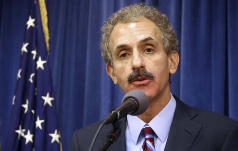 <p>The city of Los Angeles moved to give up its high-profile lawsuit against PricewaterhouseCoopers on Thursday in what amounts to a stunning defeat for City Atty. Mike Feuer, who had tried to blame the consulting firm for the Department of Water and Power's massive overbilling debacle.</p>