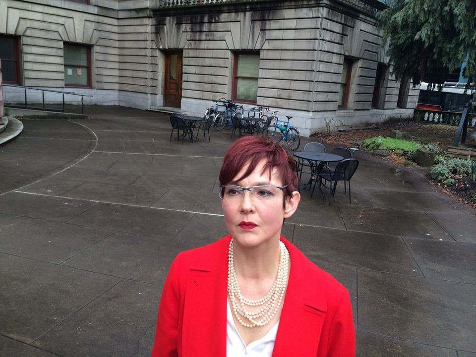 """<p>A debate regarding Portland's involvement in Ukraine by hotelier Gordon Sondland strengthened their regional ties Saturday when Portland activist Sarah Iannarone openly confronted Sondland contributing to Mayor Ted Wheeler's 2016 and 2012 campaigns. The gifts were $15,500 from Sondland and his hotel investments in Provenance. Sondland, whom last summer became U.S. Ambassador to the EU, recently took up the Ukraine scandal and the investigation of President Donald Trump into the prosecution. He is also set to be the first current federal worker to appear Tuesday before Congress.&nbsp;</p><p>A wealthy hotel owner from Seattle, Sondland has contributed $1 million to Trump. On Saturday, the Wheeler team of Iannarone asked for a statement and press release to refund contributions from Sondland. We assume that Mayor Wheeler will bring this dishonest cashback. It is to our government and the people of Oregon that he owes everything. Could you contribute $15.50 for the $15.500 that Sondland and his organization have offered Wheeler to our people's initiative for?&nbsp;</p><p>""""Our initiative is based on the notion that large corporate and individual contributions are corrupting our political atmosphere and specifically when those come from someone who has operated aggressively to threatens our sovereignty, """"said Iannarone campaign director Gregory McKelvey, pointing to Sondland's role in the controversy between Trump and Ukraine,"""" said Gregory McKelvey, the campaign e director at Iannarone, addressing Sondland's role in the Trump-Ukraine controversy. """"In an idealized way, Mayor Wheeler should return the money to prove that Mr. Sondland's money has no place in politics in Oregon,"""" McKelvey said. """"If he goes ahead, he would like to see Wheeler be"""" highly mindful of the funds he is getting. In three different times, Wheeler earned a payment of $15,000 from Sondland and a related Company during the Wheeler 2016 election.</p><p><br></p>"""