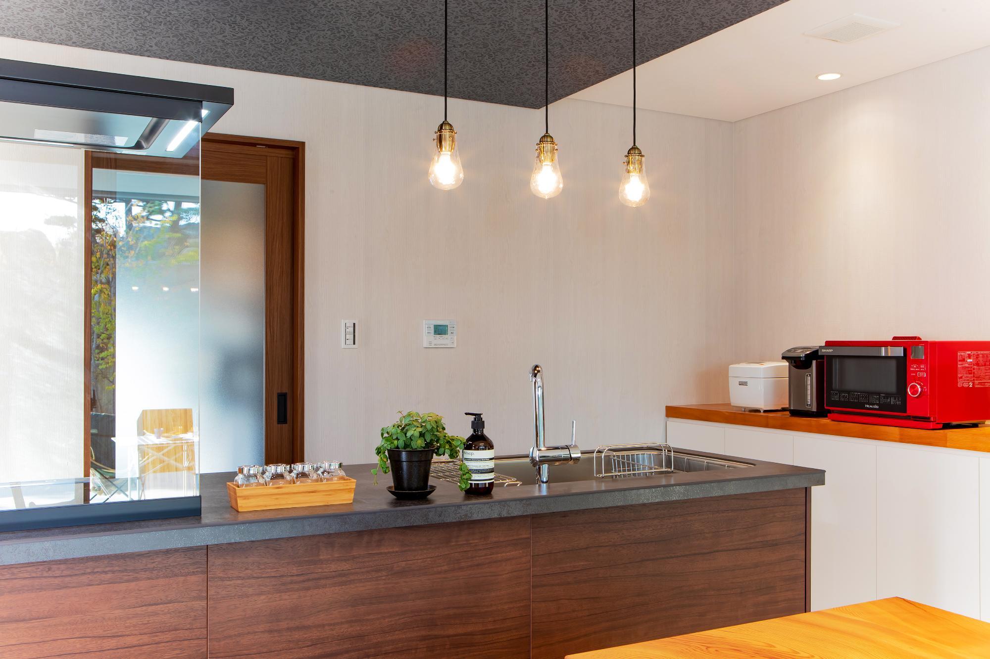 一級建築士事務所 株式会社山内組 archi labo「住み継げる住まいの提案 archi laboコンセプトハウス」のキッチンの実例写真