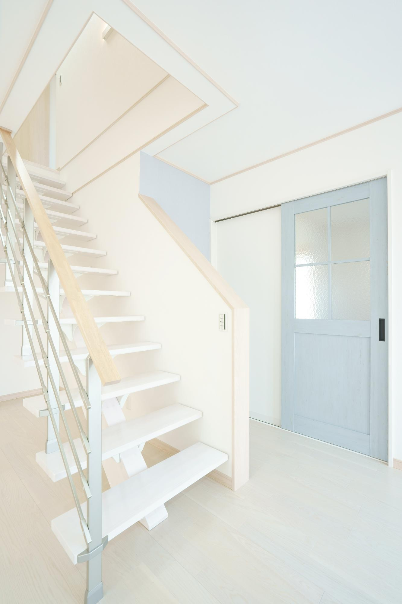 クレバリーホーム新潟 (株)又助組「北欧風 スケルトン階段のお家」の北欧風な階段の実例写真