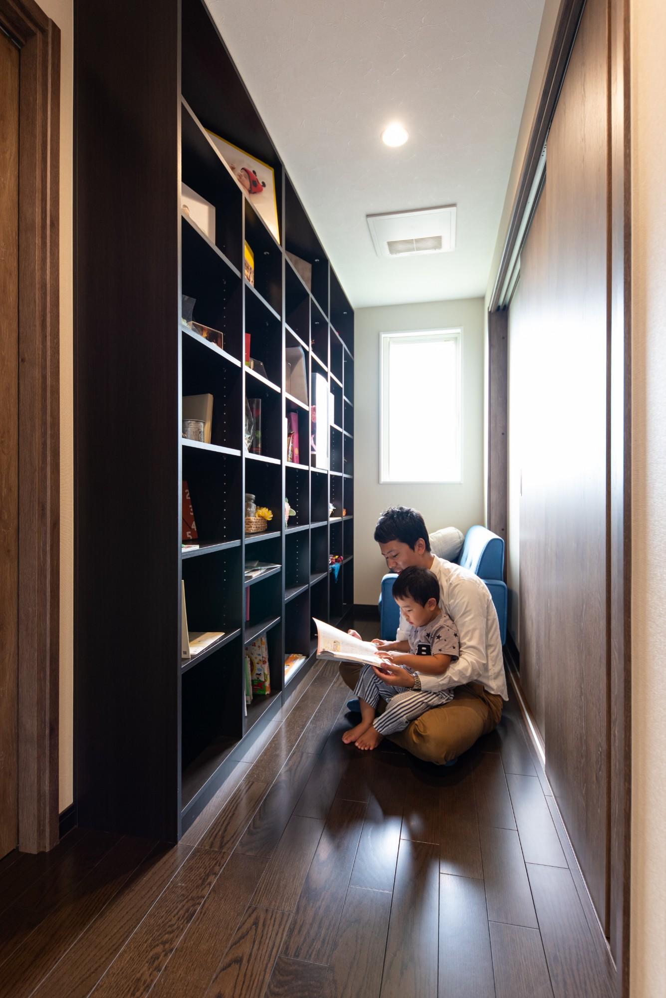 ファミリースペースとして、お子様と本を読んだり、ここでゆったり本を読むことも出来ます。