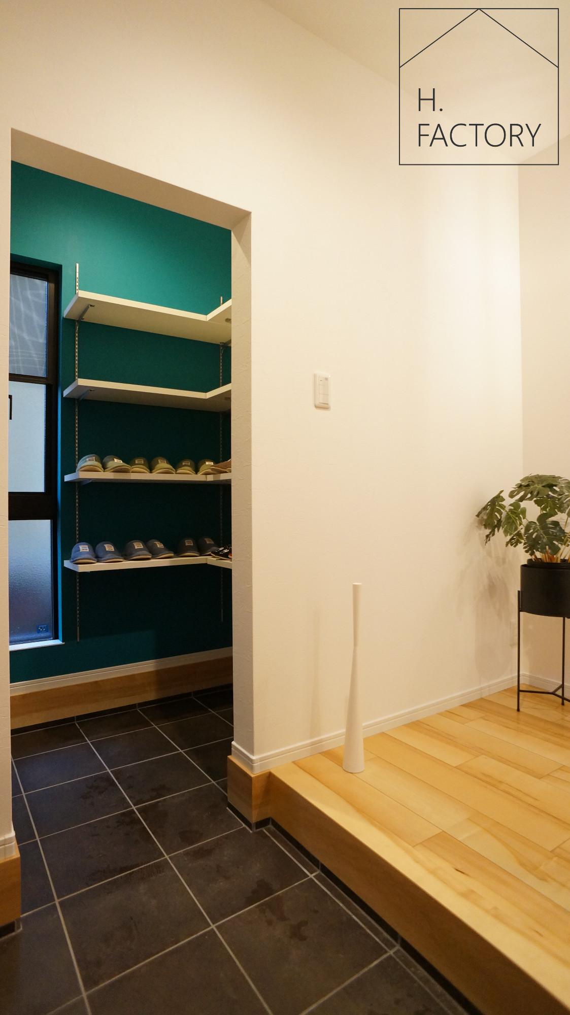 H.FACTORY/株式会社 橋本技建「シンプル&ベーシックなオシャレカフェのような家」の実例写真