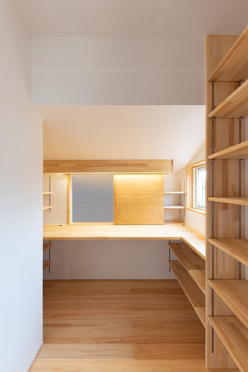 株式会社Ag-工務店「水道町の家」のシンプル・ナチュラルな収納スペースの実例写真