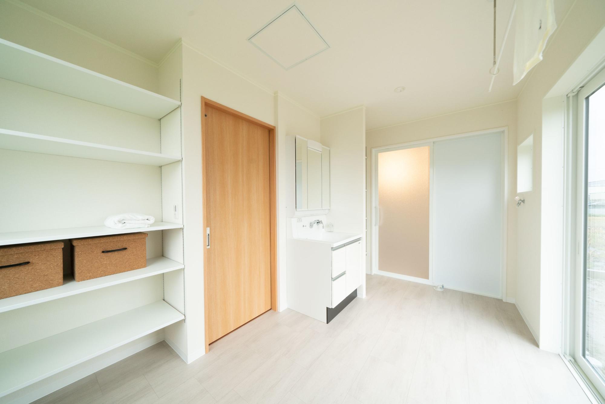サンルームを兼ねた洗面脱衣室