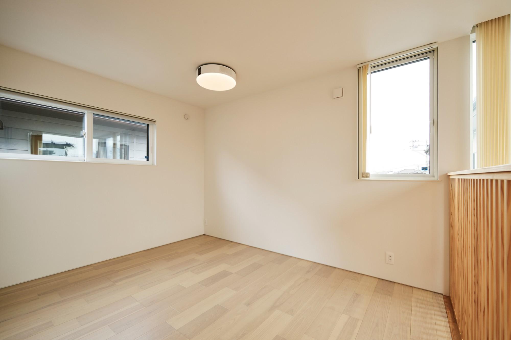 DETAIL HOME(ディテールホーム)「コンパクトにデザインする家」のシンプル・ナチュラルな居室の実例写真