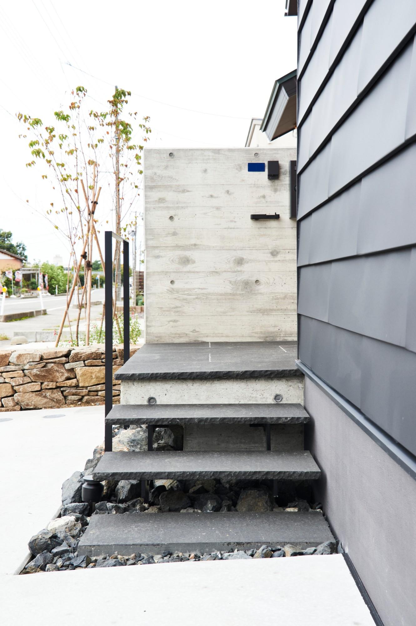 DETAIL HOME(ディテールホーム)「コンパクトにデザインする家」のシンプル・ナチュラルな外観の実例写真