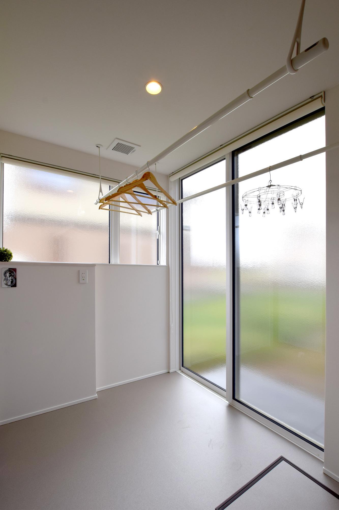 DETAIL HOME(ディテールホーム)「充実収納のスタイリッシュハウス」のモダン・和風・和モダンなundefinedの実例写真
