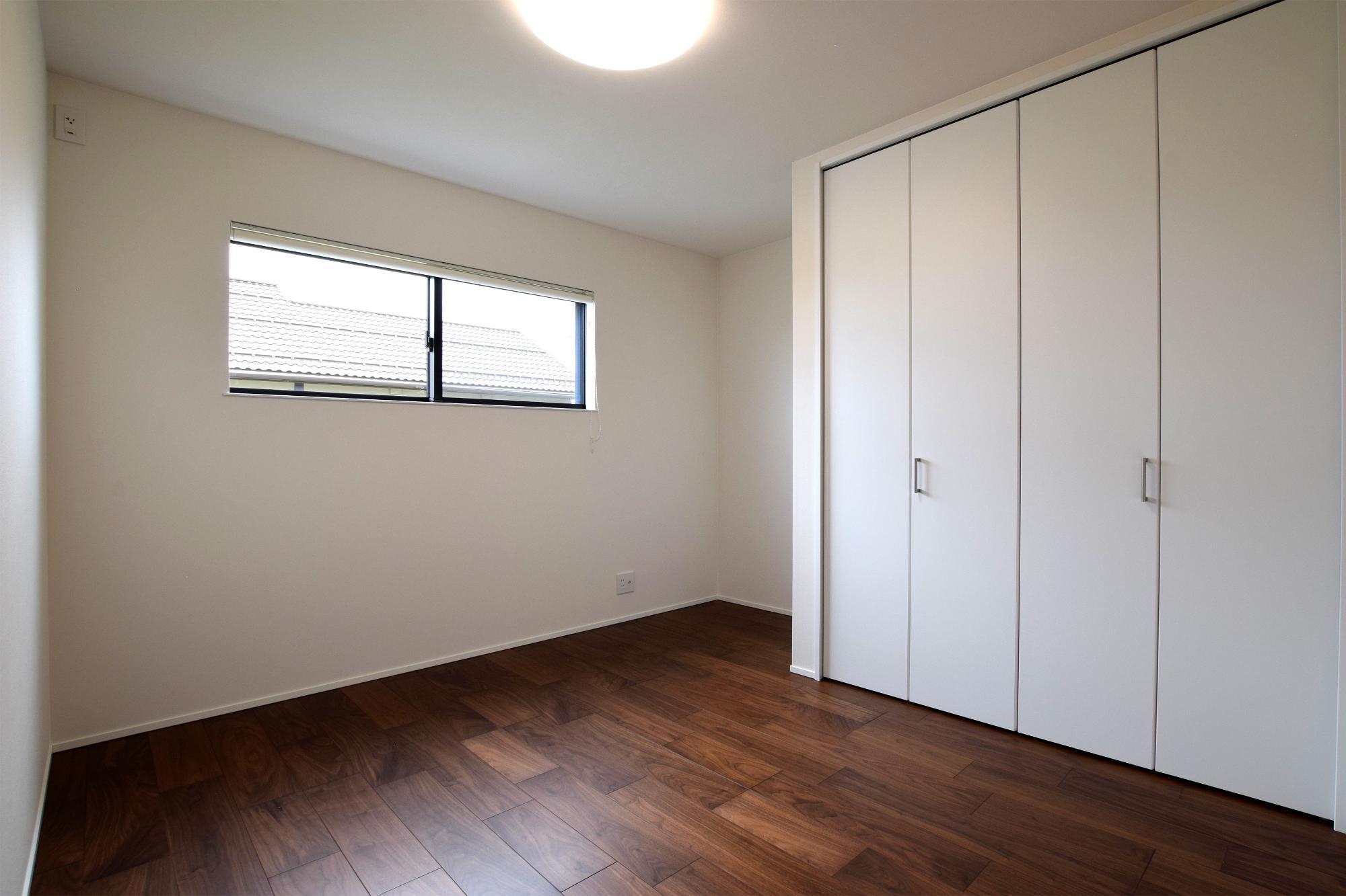 DETAIL HOME(ディテールホーム)「充実収納のスタイリッシュハウス」のモダン・和風・和モダンな居室の実例写真