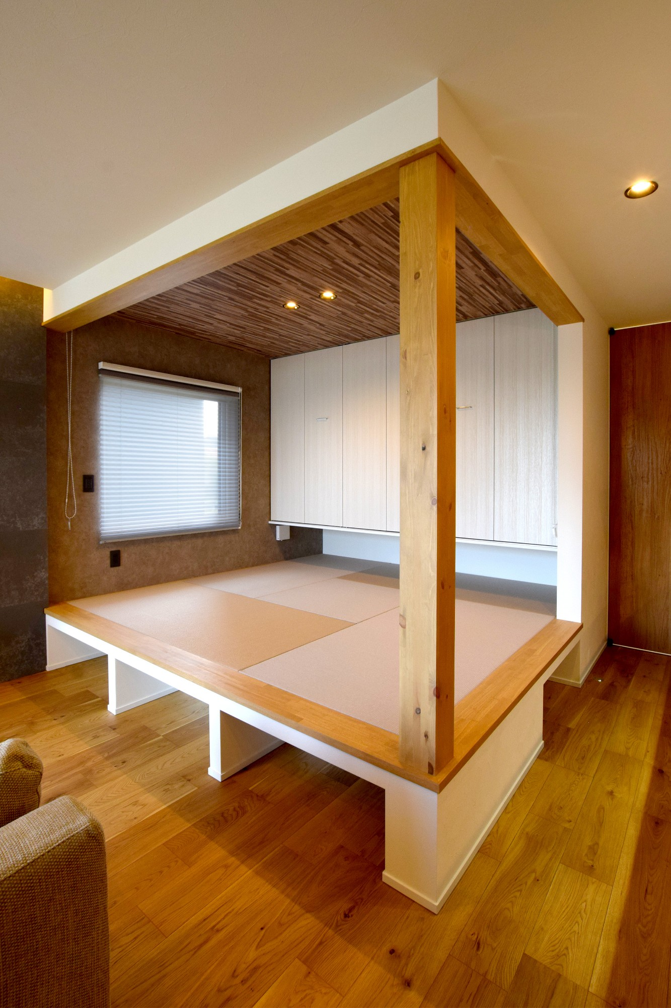 DETAIL HOME(ディテールホーム)「オークを基調としたナチュラルモダンな家」のシンプル・ナチュラルな居室の実例写真