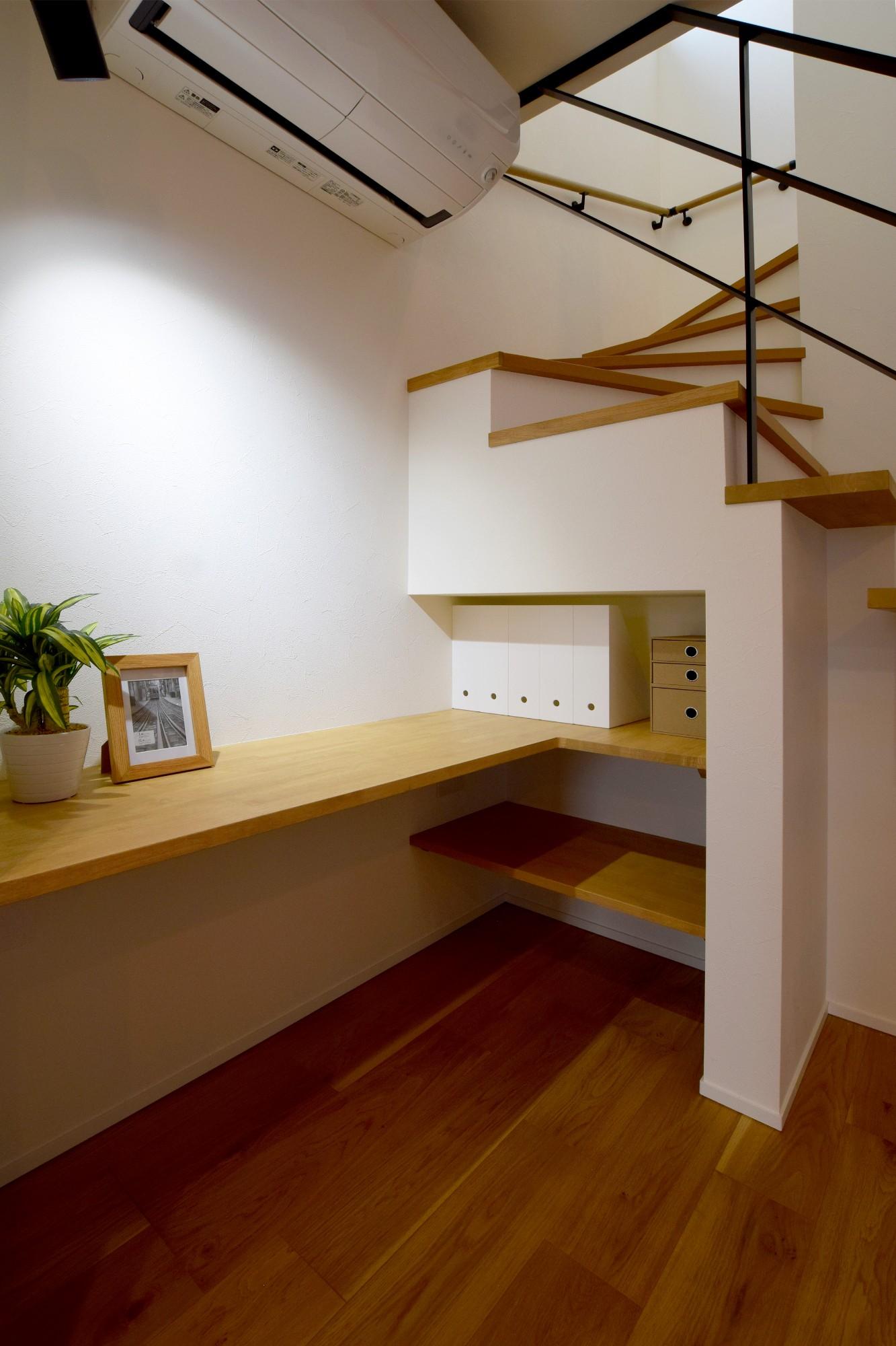 DETAIL HOME(ディテールホーム)「オークを基調としたナチュラルモダンな家」のシンプル・ナチュラルな廊下の実例写真
