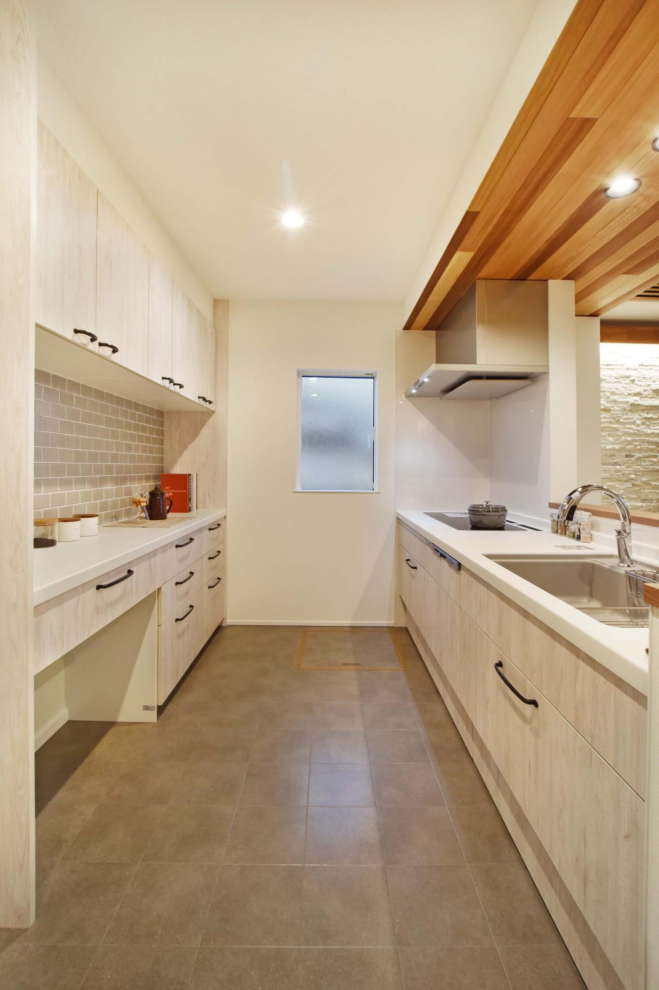DETAIL HOME(ディテールホーム)「和と洋の溶け合う心地いい暮らし」の和風・和モダンなキッチンの実例写真