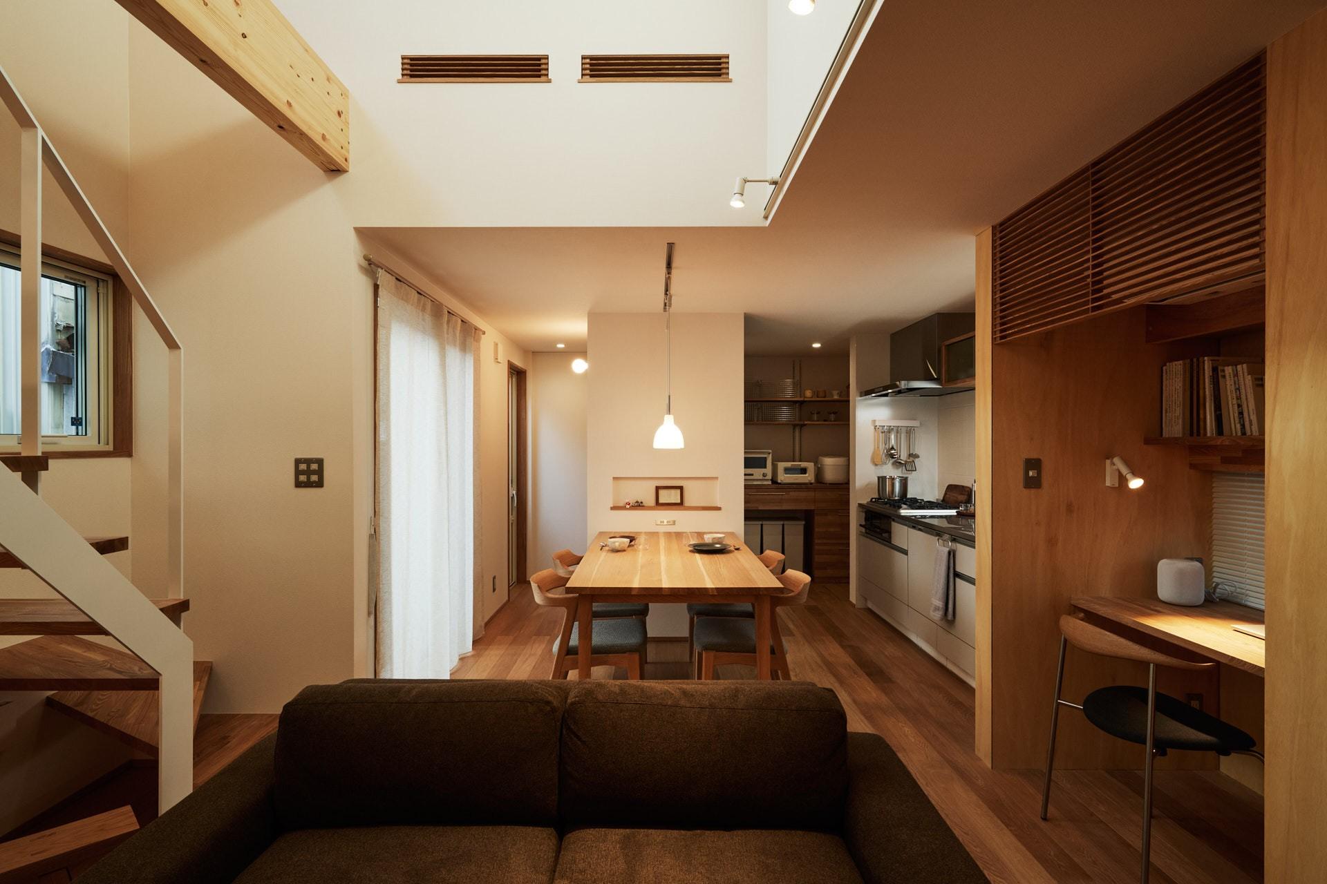 DETAIL HOME(ディテールホーム)「素材を楽しむ小さな家」のシンプル・ナチュラルなリビング・ダイニングの実例写真