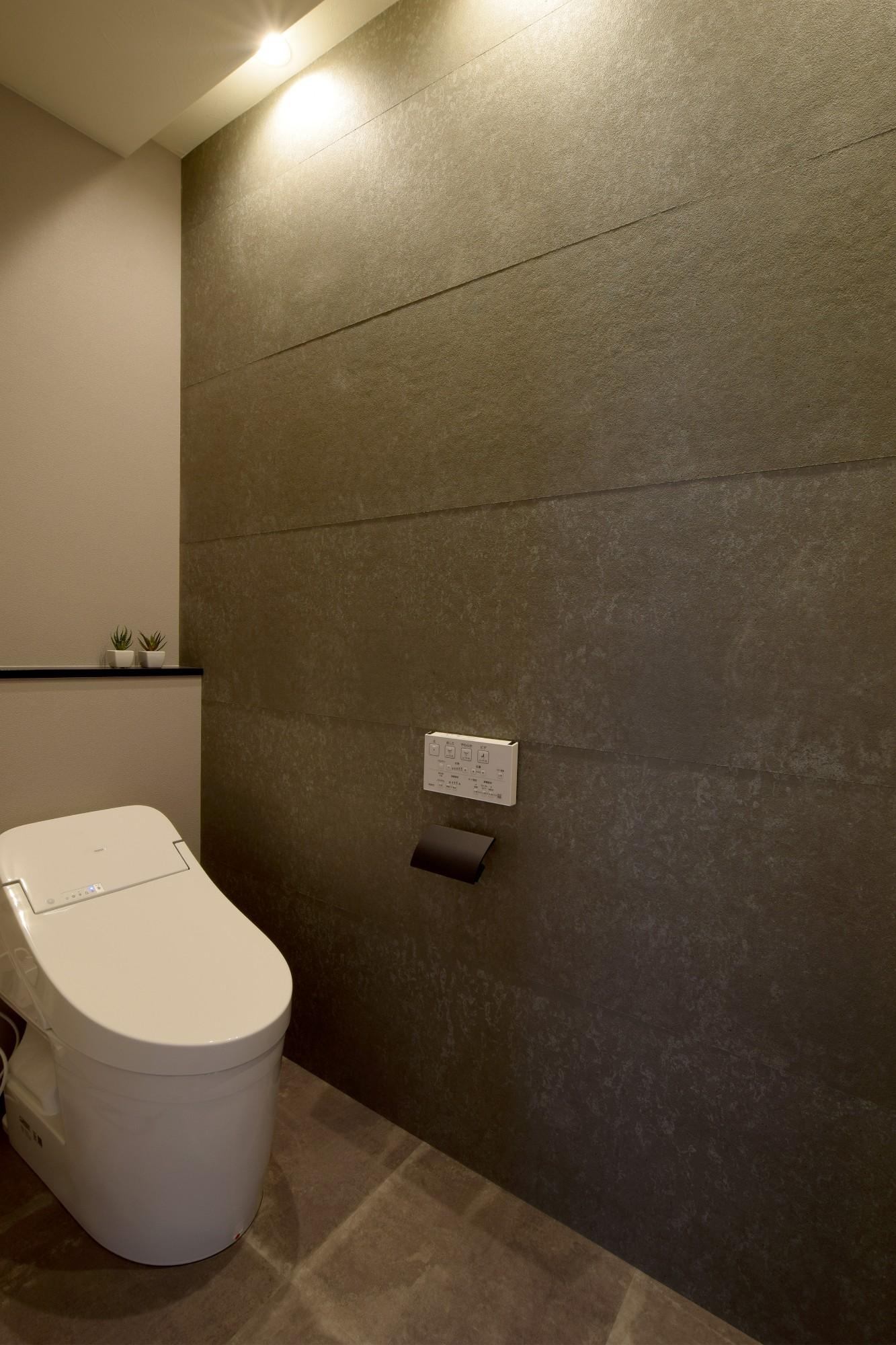 DETAIL HOME(ディテールホーム)「モールテックスキッチンとインテリアにこだわった住まい」のシンプル・ナチュラルなトイレの実例写真