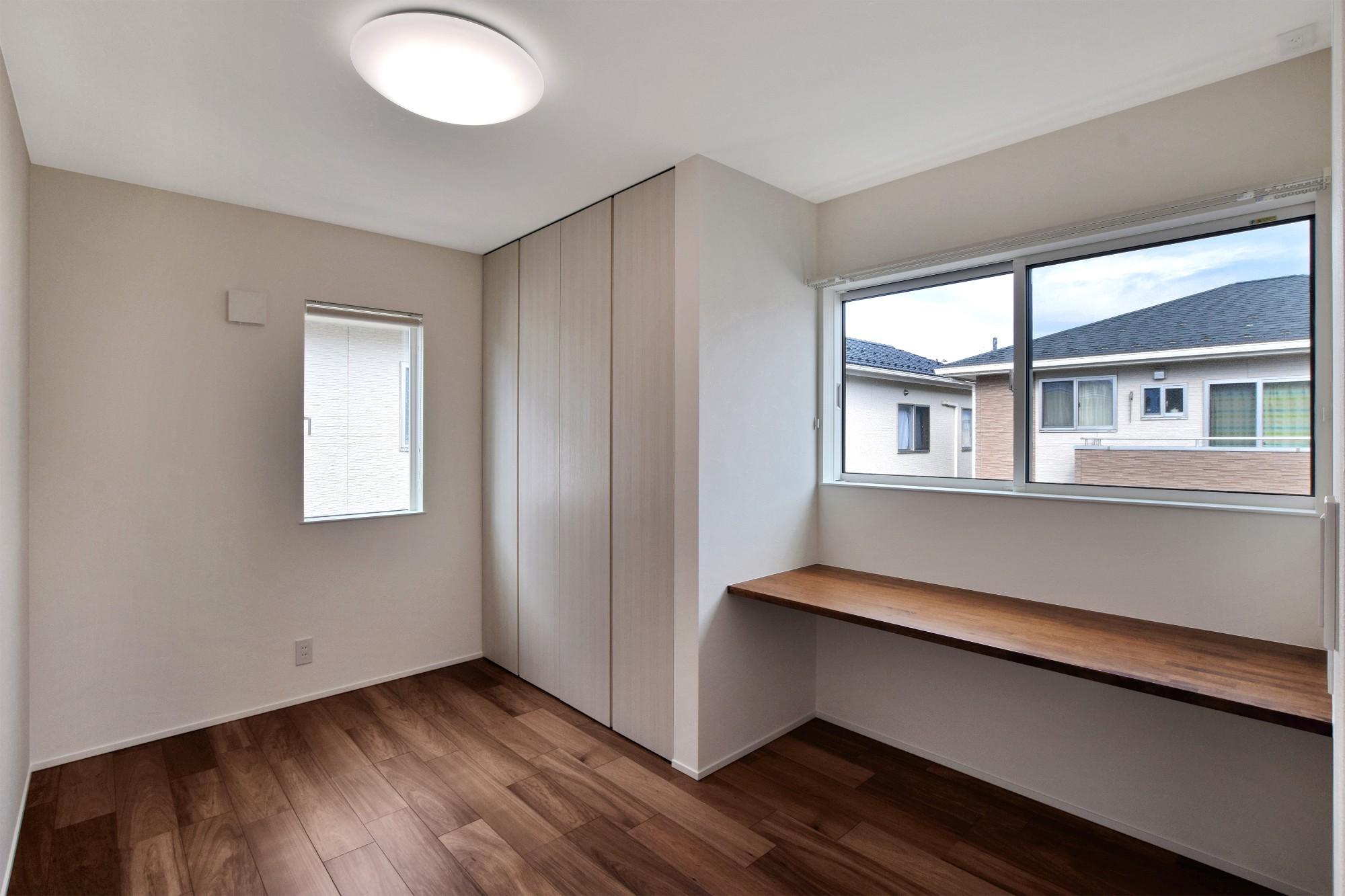 DETAIL HOME(ディテールホーム)「モールテックスキッチンとインテリアにこだわった住まい」のシンプル・ナチュラルな居室の実例写真