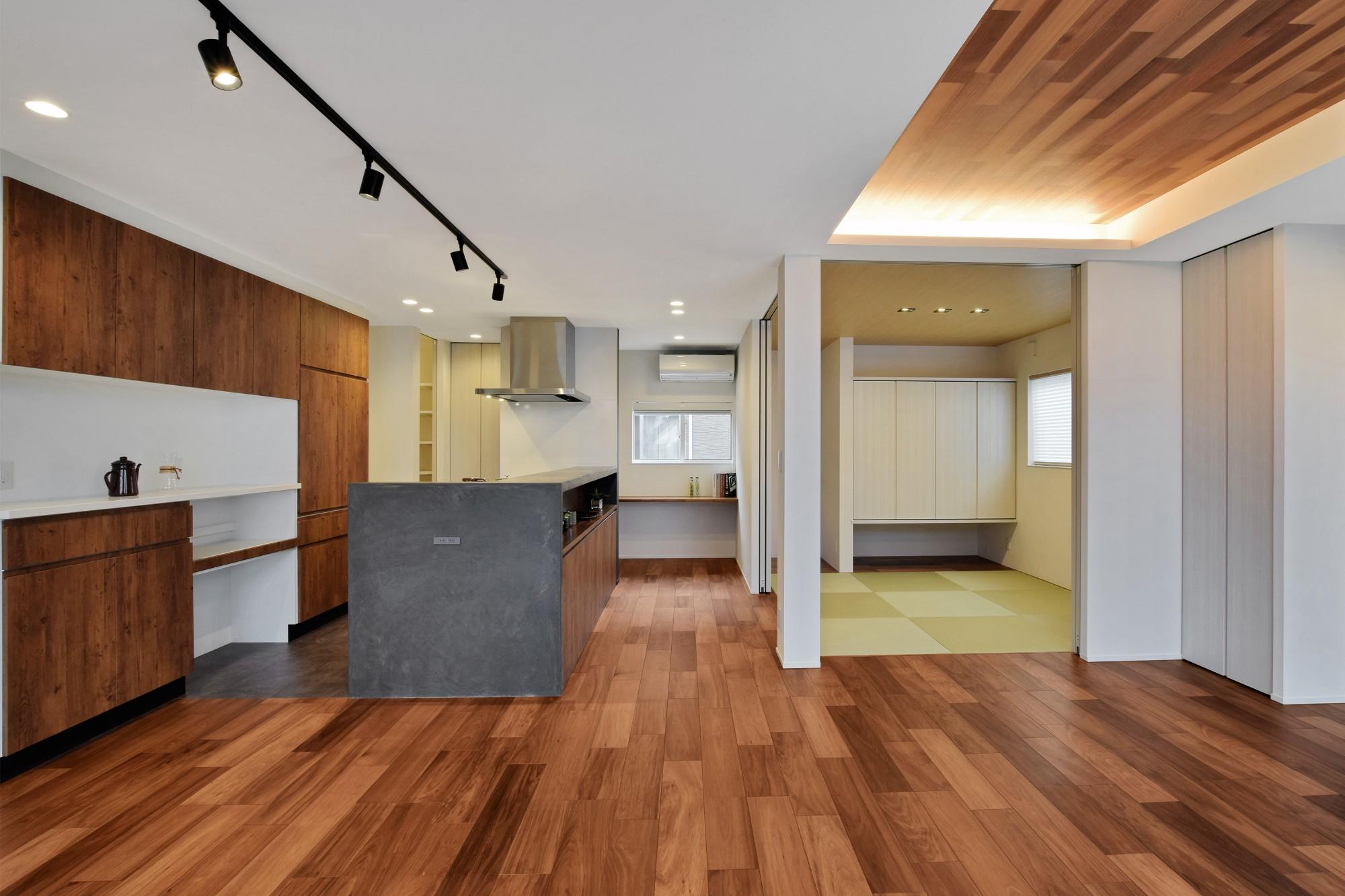 DETAIL HOME(ディテールホーム)「モールテックスキッチンとインテリアにこだわった住まい」のシンプル・ナチュラルなリビング・ダイニングの実例写真