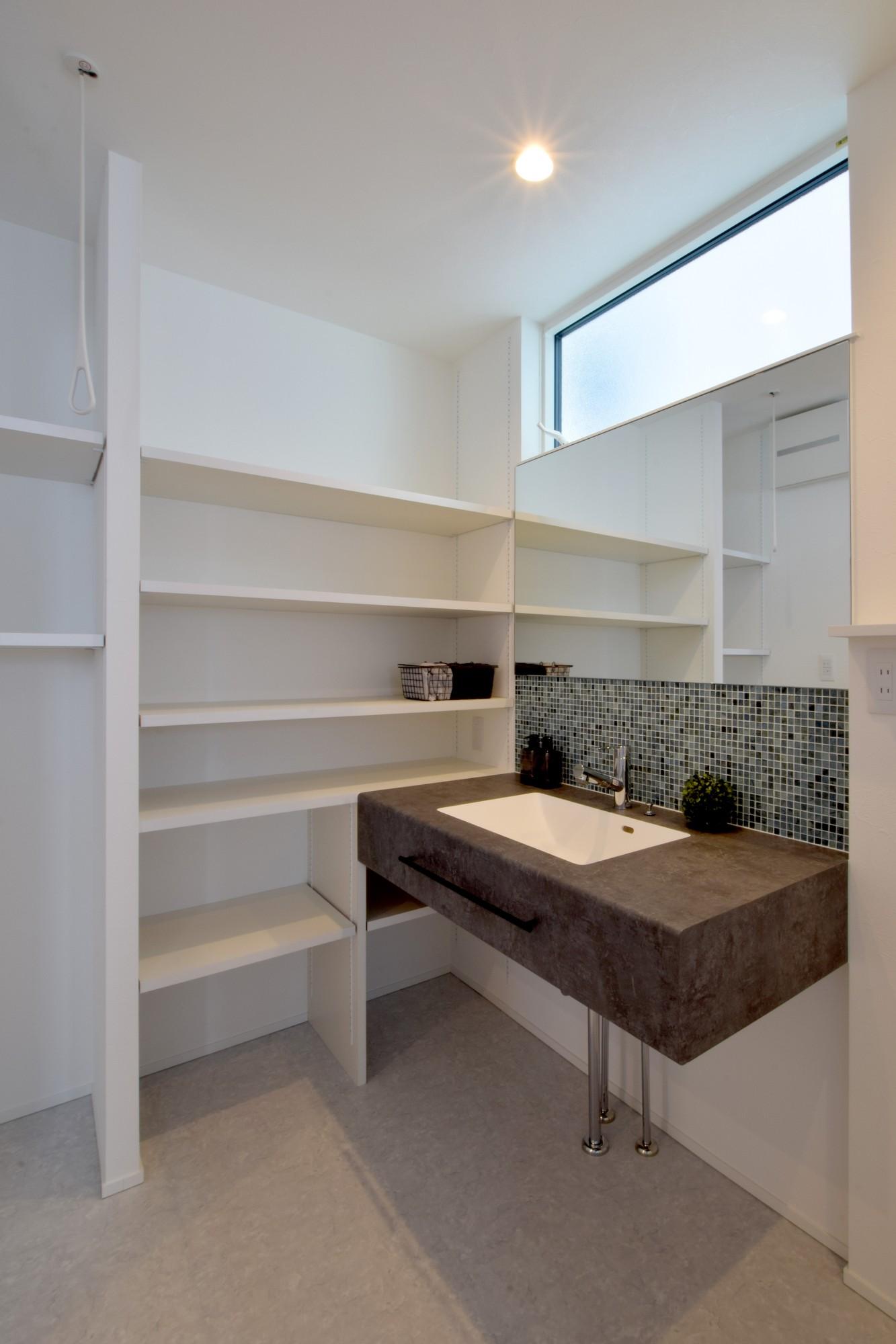 DETAIL HOME(ディテールホーム)「おうち時間を大切にした住まい」のシンプル・ナチュラルな洗面所・脱衣所の実例写真