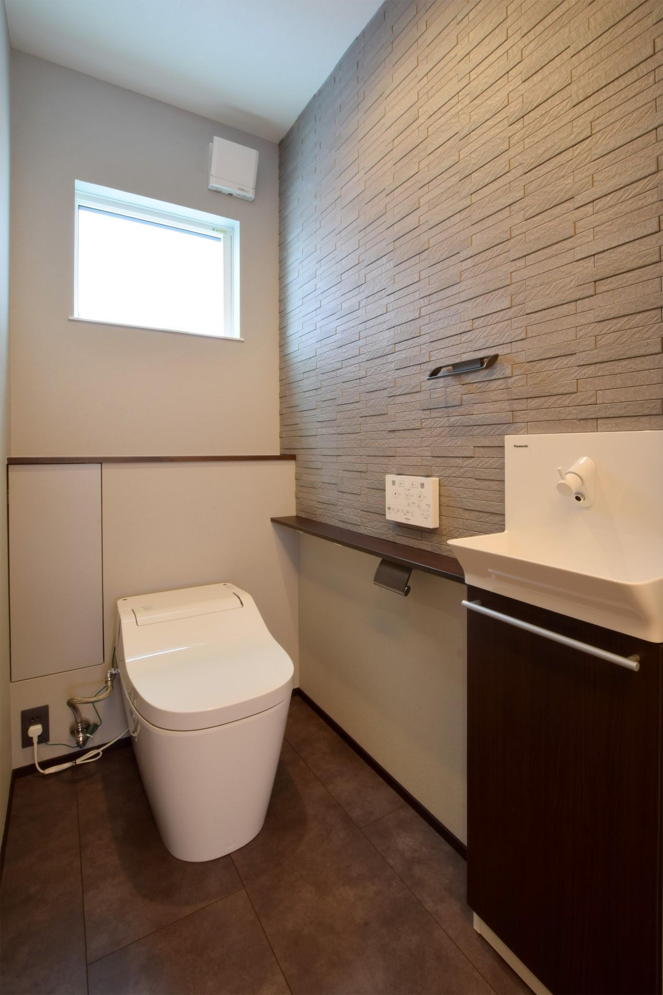 DETAIL HOME(ディテールホーム)「おうち時間を大切にした住まい」のシンプル・ナチュラルなトイレの実例写真
