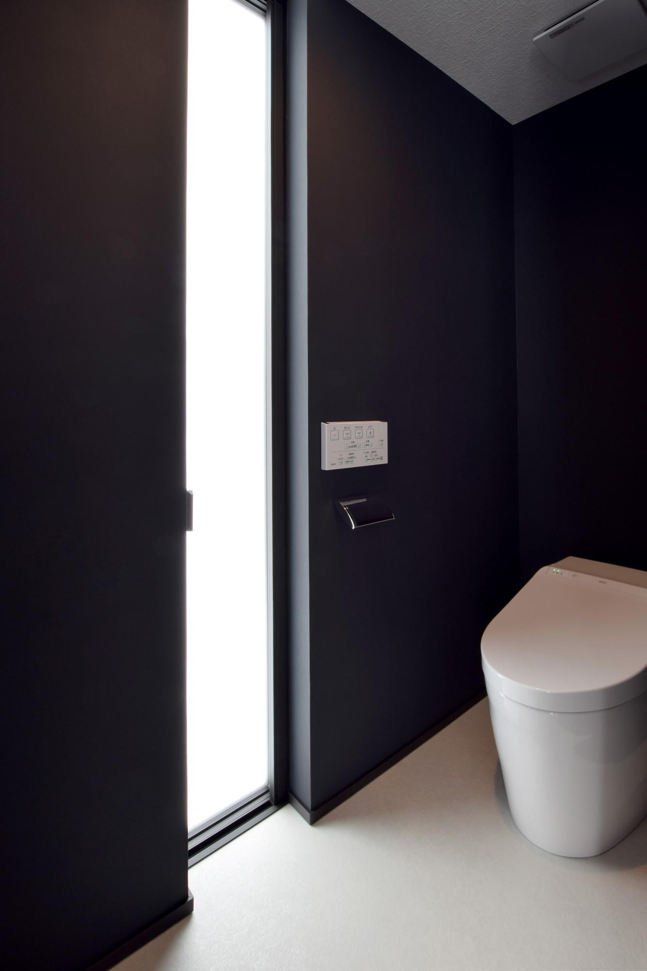 DETAIL HOME(ディテールホーム)「趣味と風景をたのしむ家」のヴィンテージなトイレの実例写真