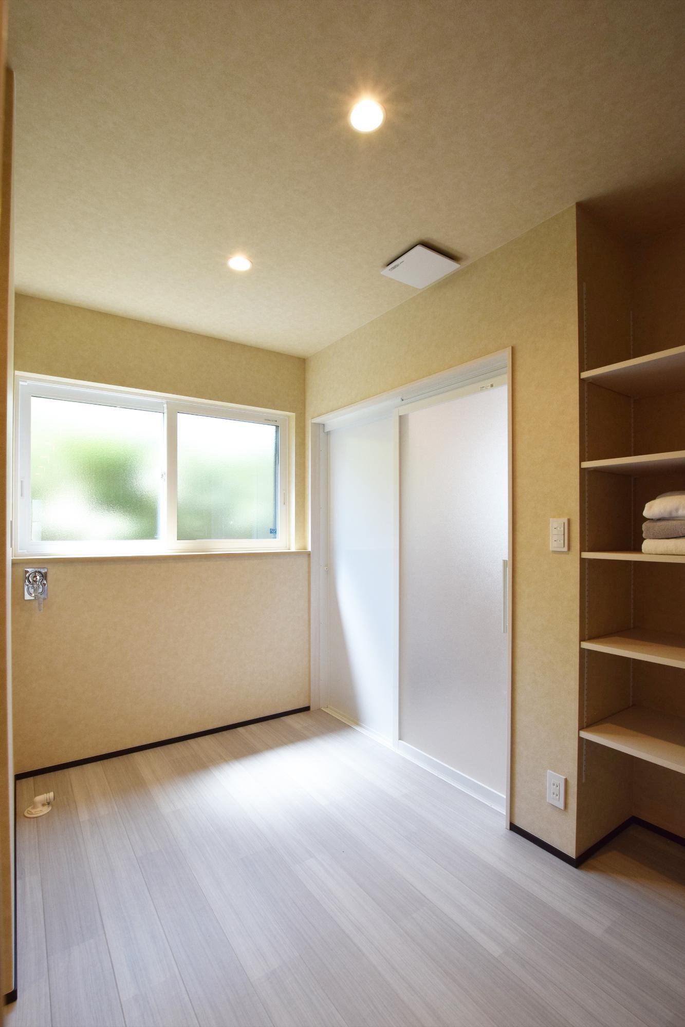 DETAIL HOME(ディテールホーム)「二世帯で住まう和モダン平屋住宅」のモダン・和風・和モダンなundefinedの実例写真