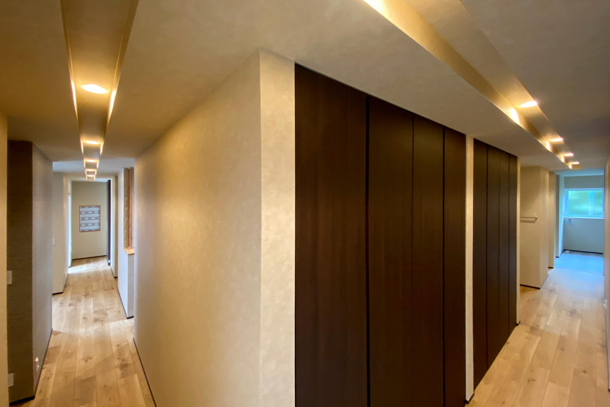 DETAIL HOME(ディテールホーム)「二世帯で住まう和モダン平屋住宅」のモダン・和風・和モダンな居室の実例写真