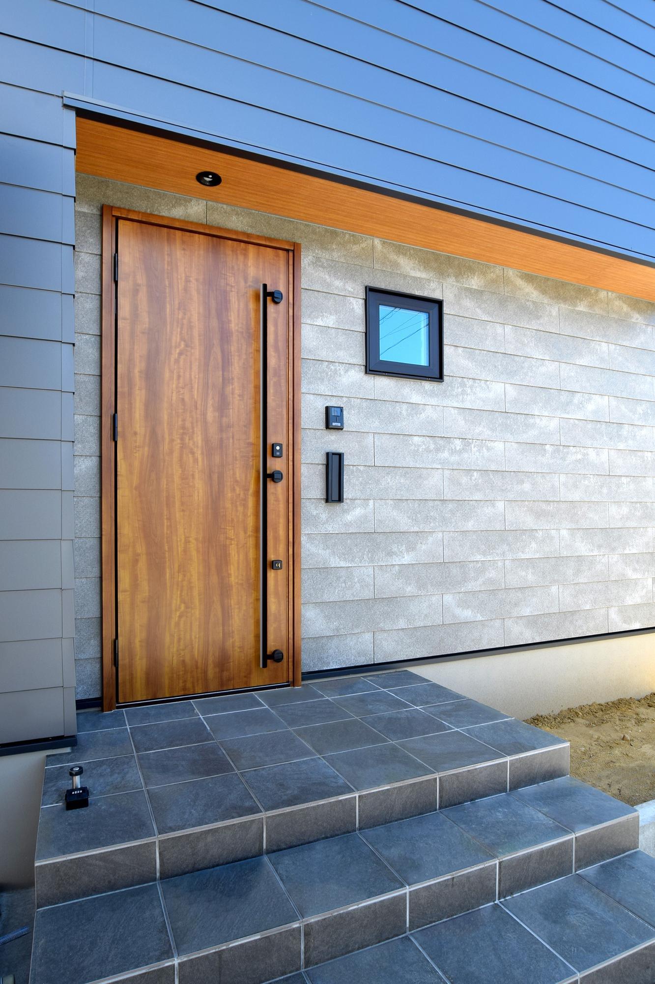 DETAIL HOME(ディテールホーム)「ハコ型という選択×耐震3の家」のシンプル・ナチュラルな外観の実例写真