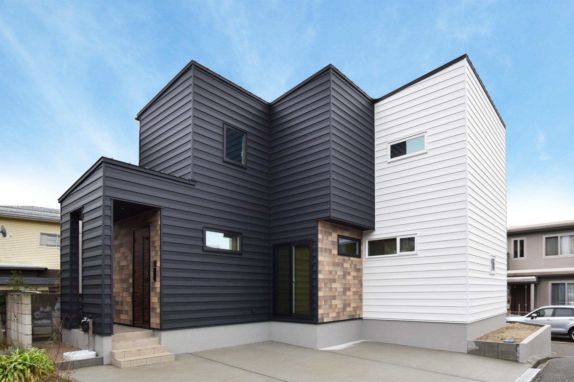 敷地を活かす凹凸の家の写真1