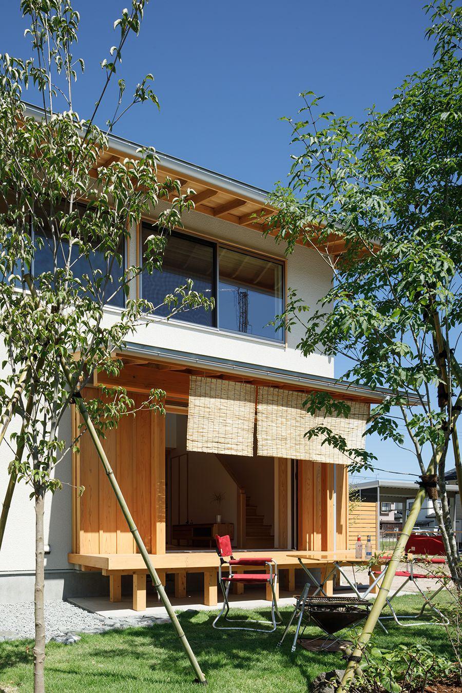 株式会社ナレッジライフ「自分たちらしく変えていく シンプルな木の家」のシンプル・ナチュラル・和風・和モダンな庭・デッキ・縁側の実例写真