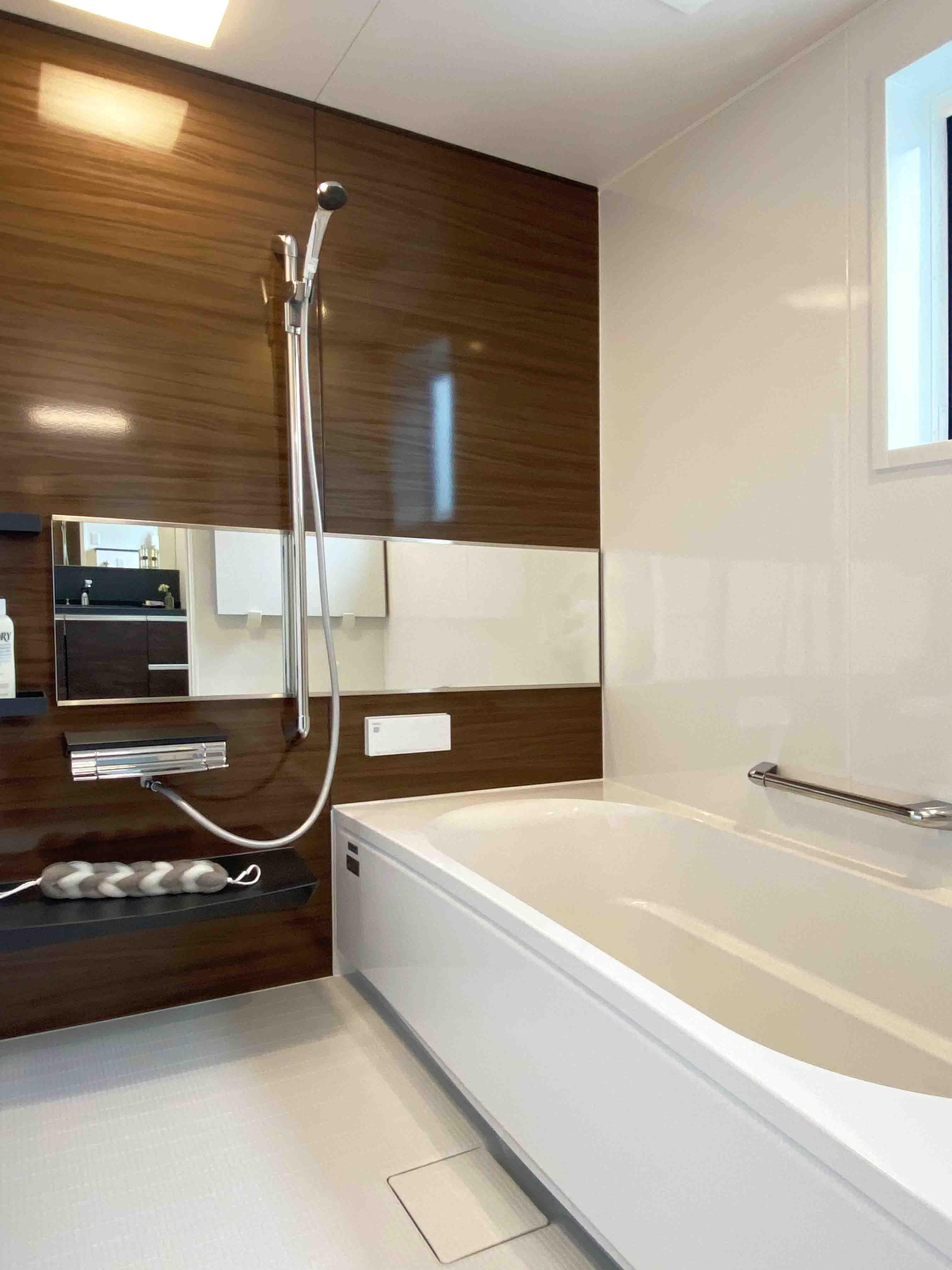 株式会社アンドクリエイト「うちカフェが楽しくなる家」のモダンな風呂・浴室の実例写真