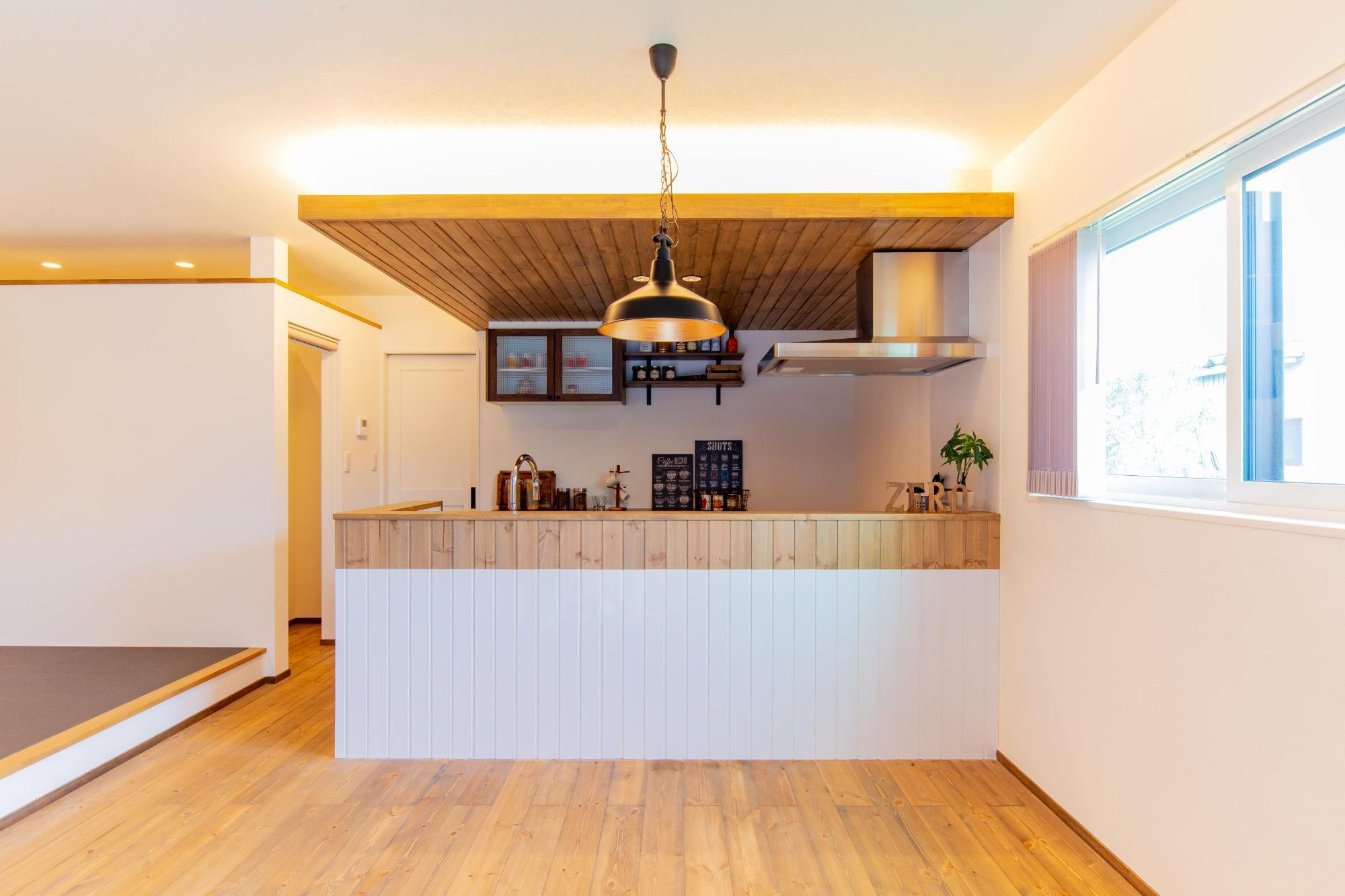 株式会社ゼロスタイル「小上がり×書斎×アンティークブラウン」のヴィンテージなキッチンの実例写真