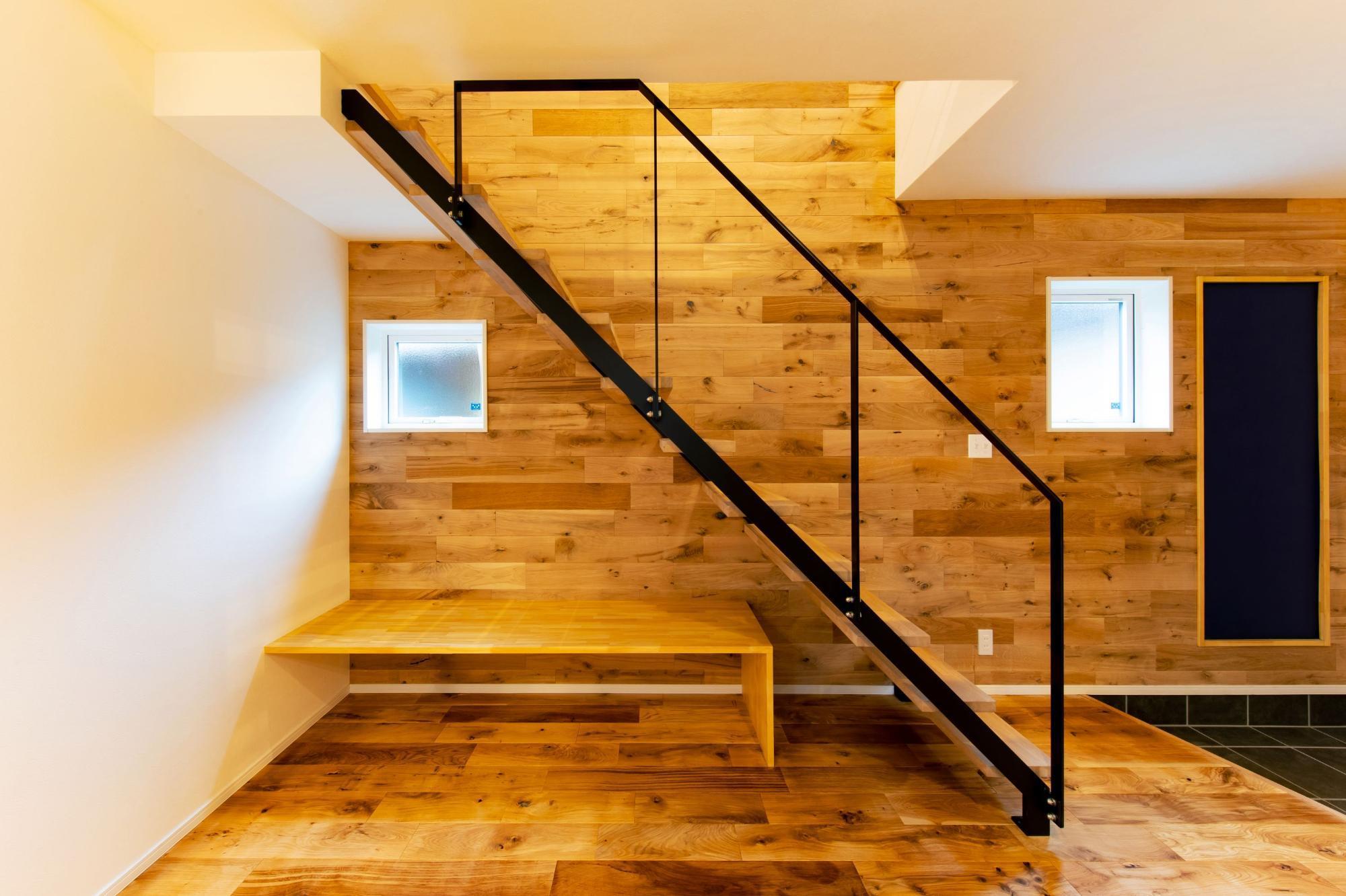 株式会社ゼロスタイル「ユカカベオークなカジュアルモダンなお家」のモダン・シンプル・ナチュラル・自然素材な階段の実例写真