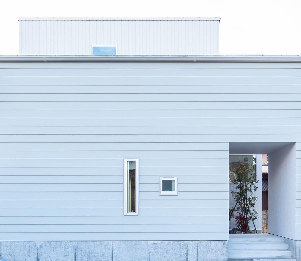 株式会社あかがわ建築設計室「静穏の家」のシンプル・ナチュラル・モダンな外観の実例写真