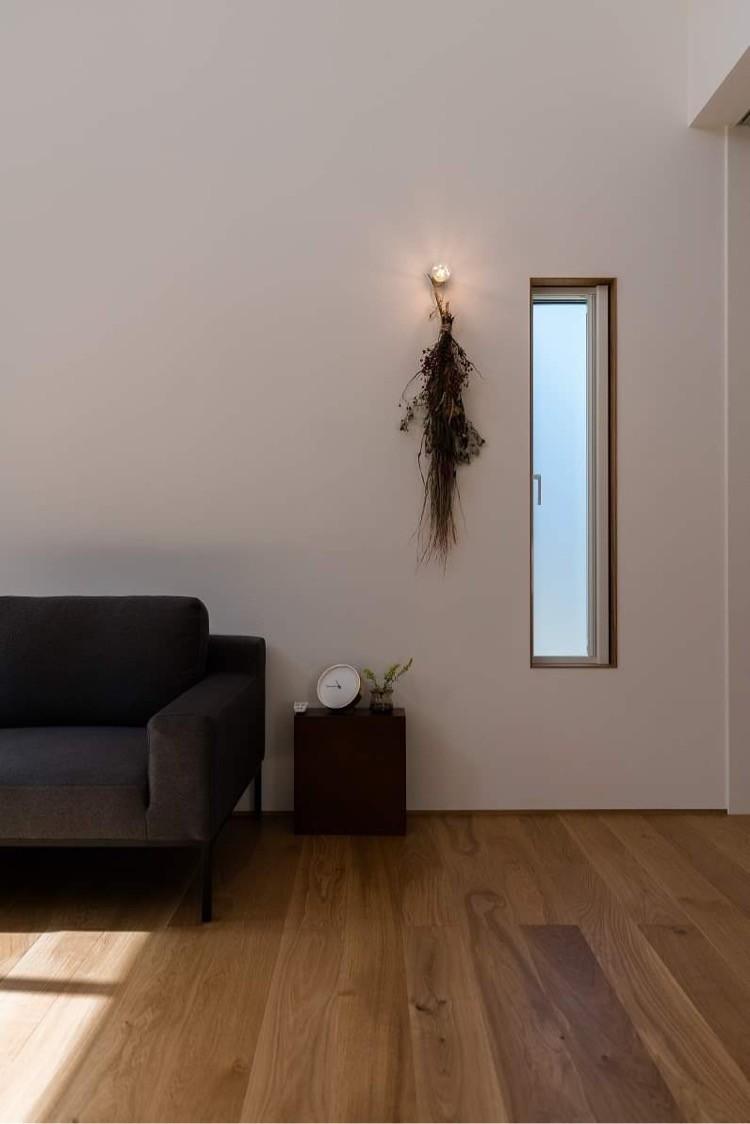 株式会社あかがわ建築設計室「包守の家」のシンプル・ナチュラル・モダンなリビング・ダイニングの実例写真