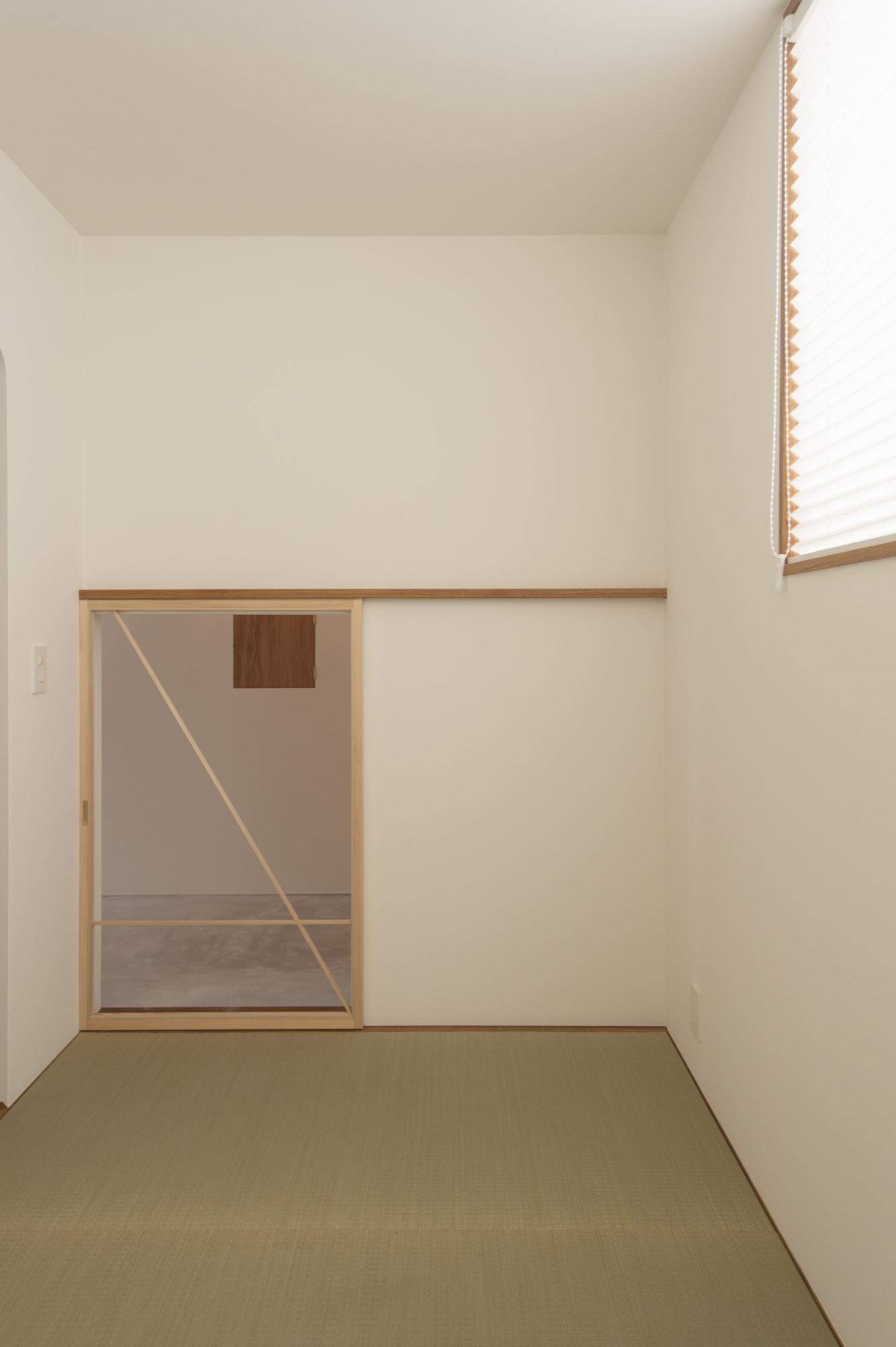 株式会社あかがわ建築設計室「悠遠の家」のシンプル・ナチュラル・自然素材な居室の実例写真