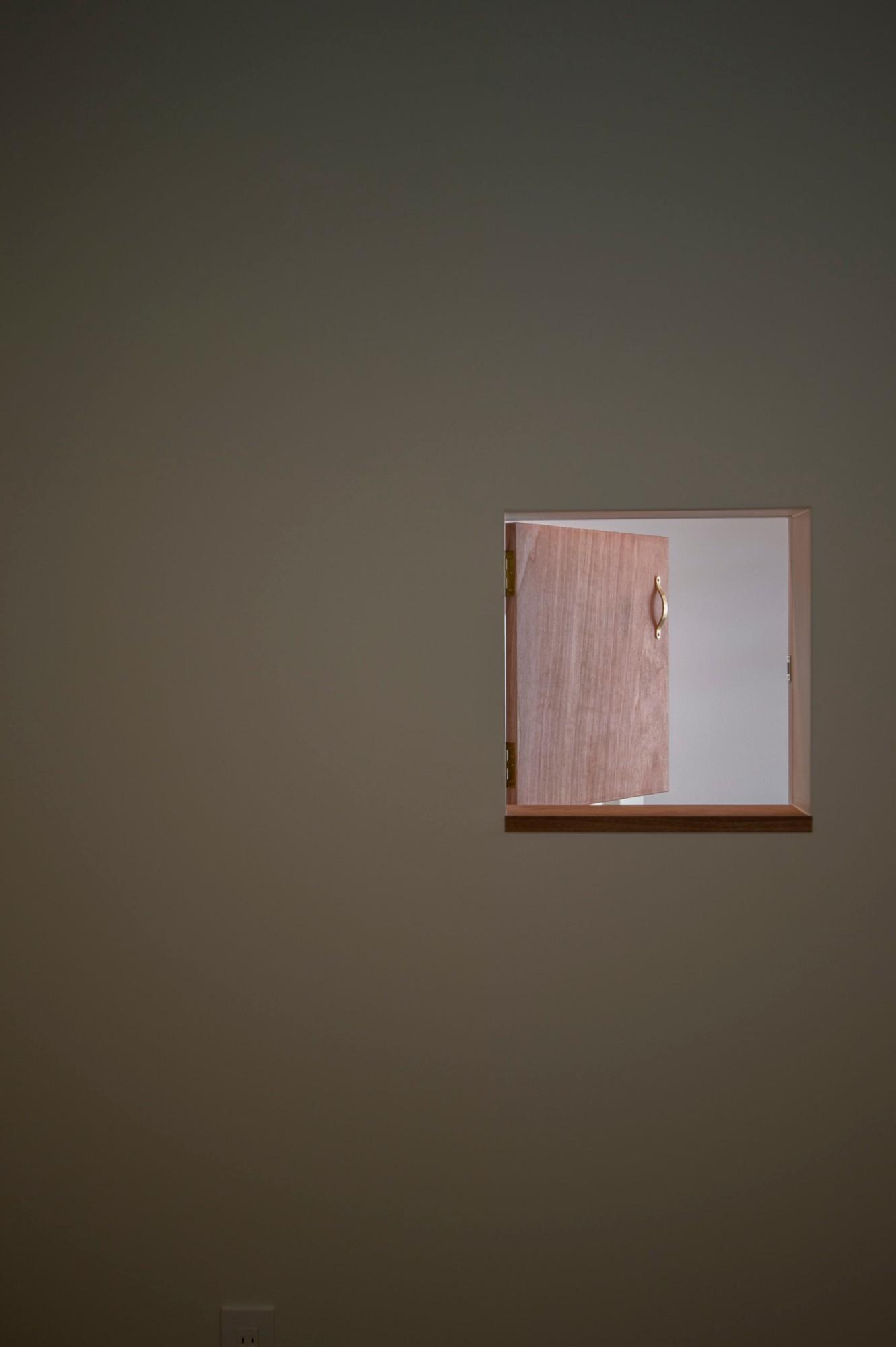 株式会社あかがわ建築設計室「悠遠の家」のシンプル・ナチュラル・自然素材な玄関の実例写真