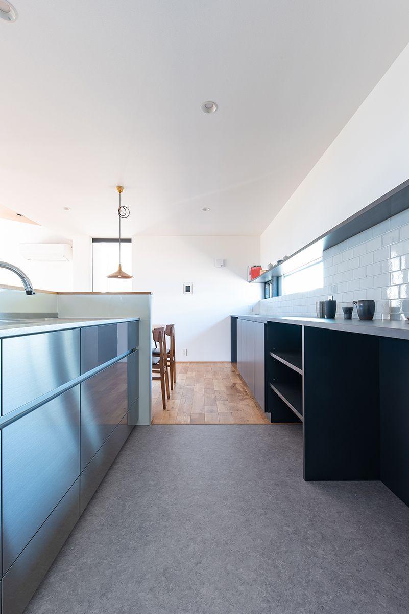 株式会社あかがわ建築設計室「雄景の家」のシンプル・ナチュラル・モダンなキッチンの実例写真