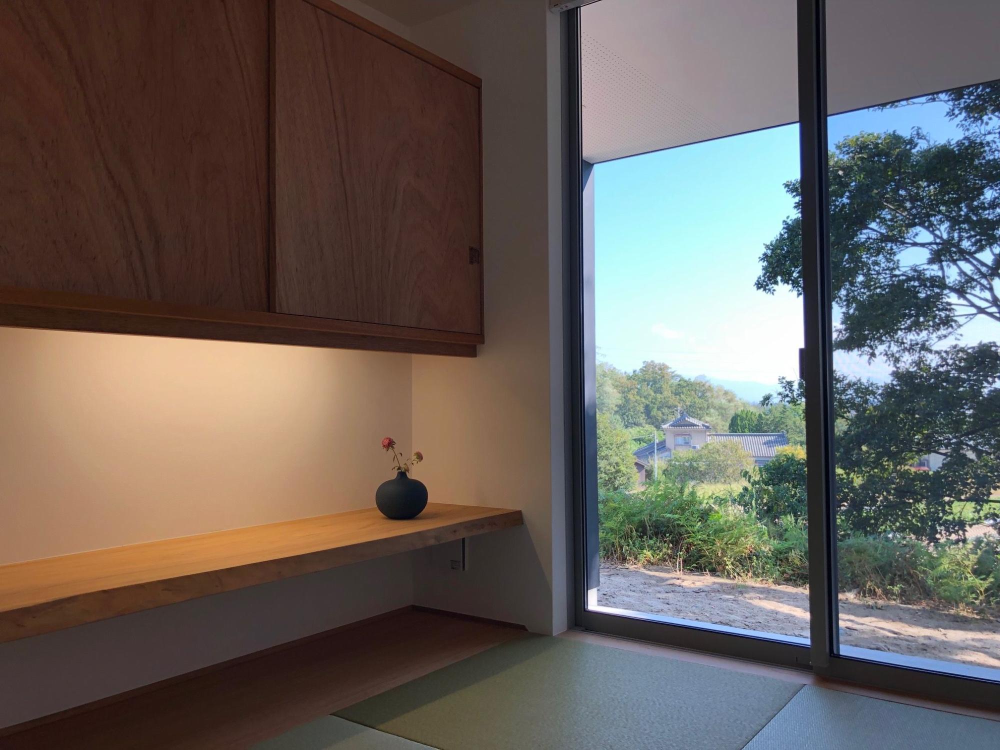 株式会社あかがわ建築設計室「雄景の家」のシンプル・ナチュラル・和風・和モダンな居室の実例写真