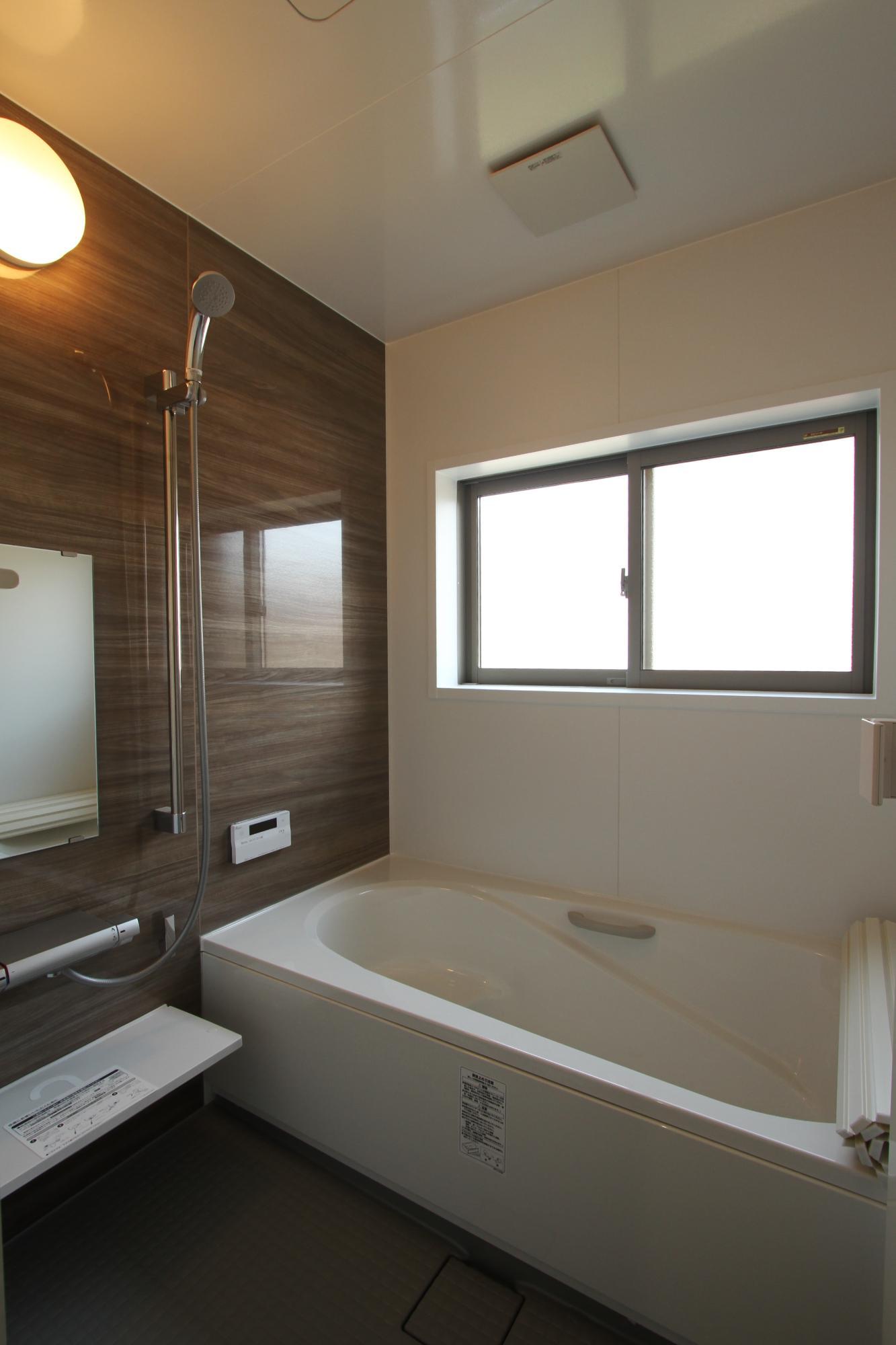 (株)難波産業「くつろぎの空間」の風呂・浴室の実例写真