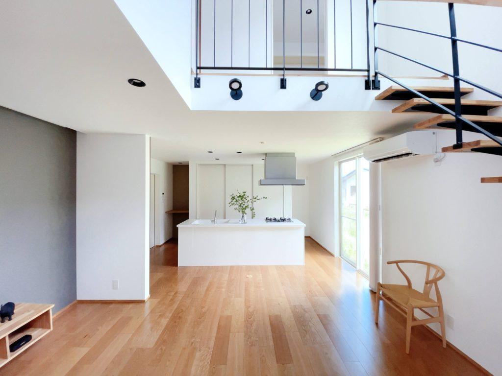 「理想の住まいを持とう」と考え始めた時に、「不動産とお金と建築」を一緒に考えることができる企業です。