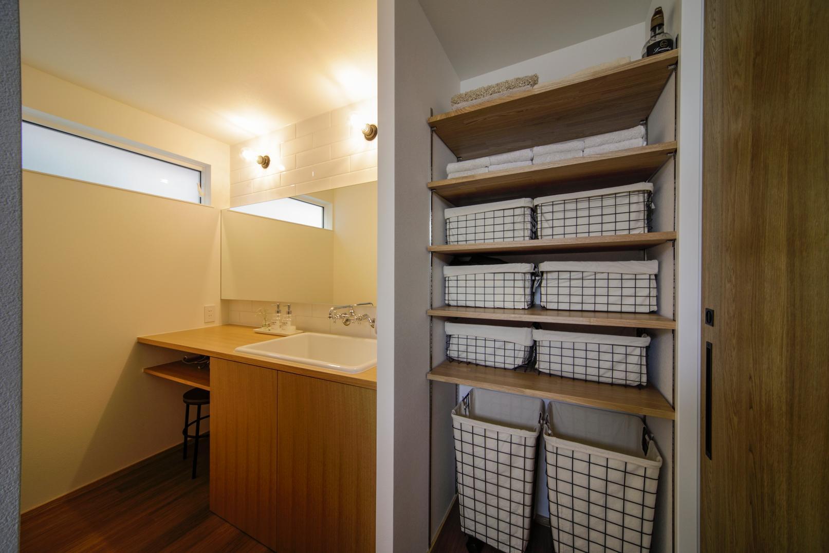 株式会社ユースフルハウス「眺望のある暮らし」のシンプル・ナチュラル・モダンな洗面所・脱衣所の実例写真