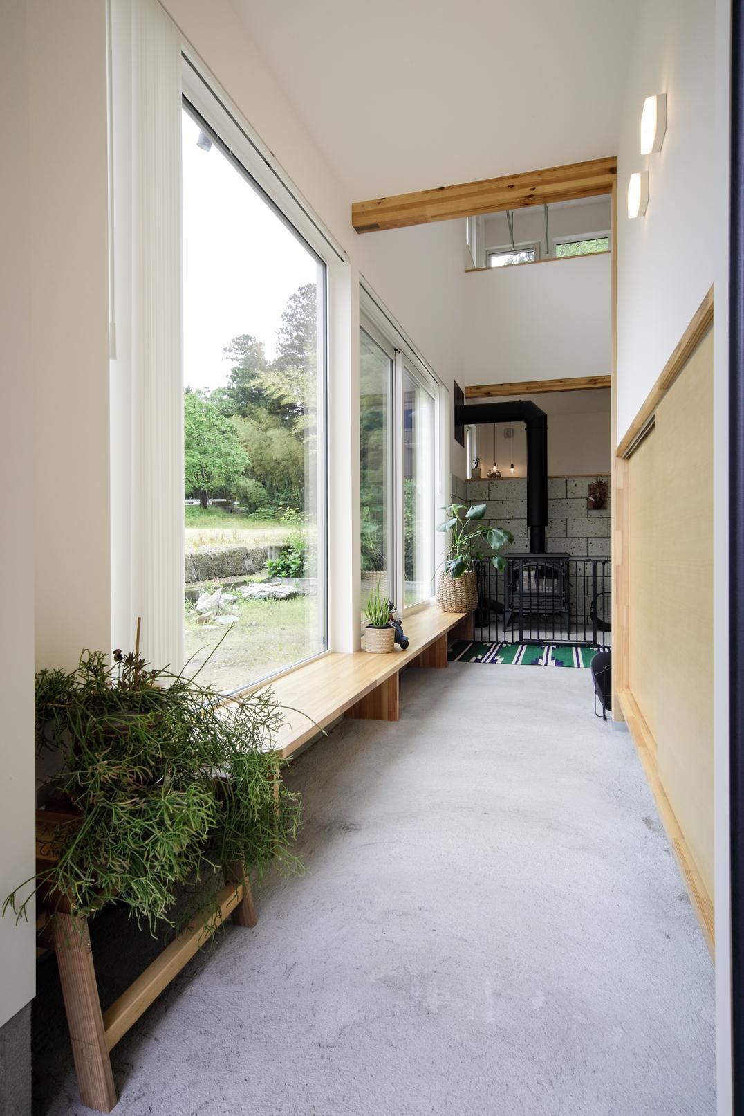 薪ストーブのあるガレージハウスの写真2