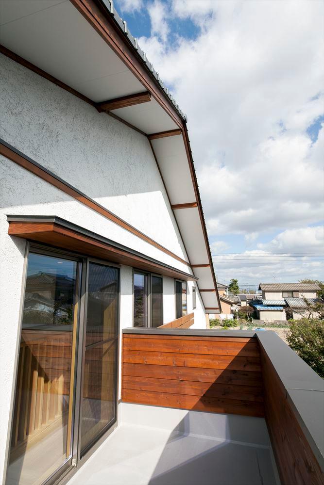 和モダンテイストの大屋根の家の写真11