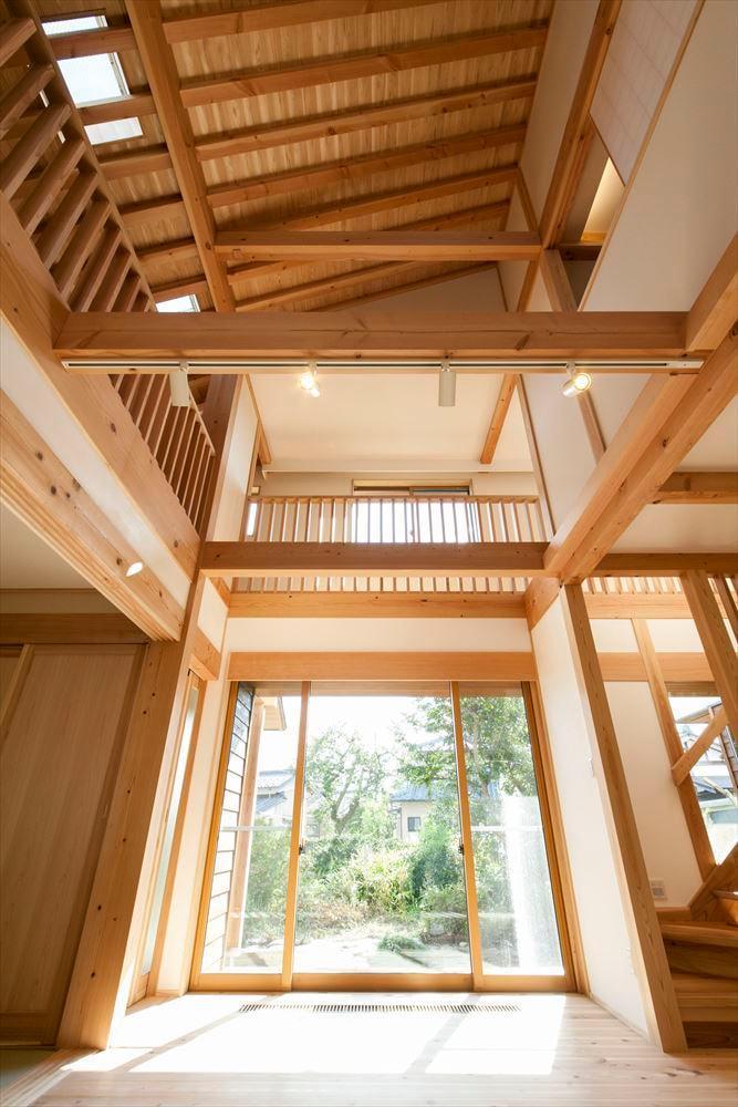 和モダンテイストの大屋根の家の写真4