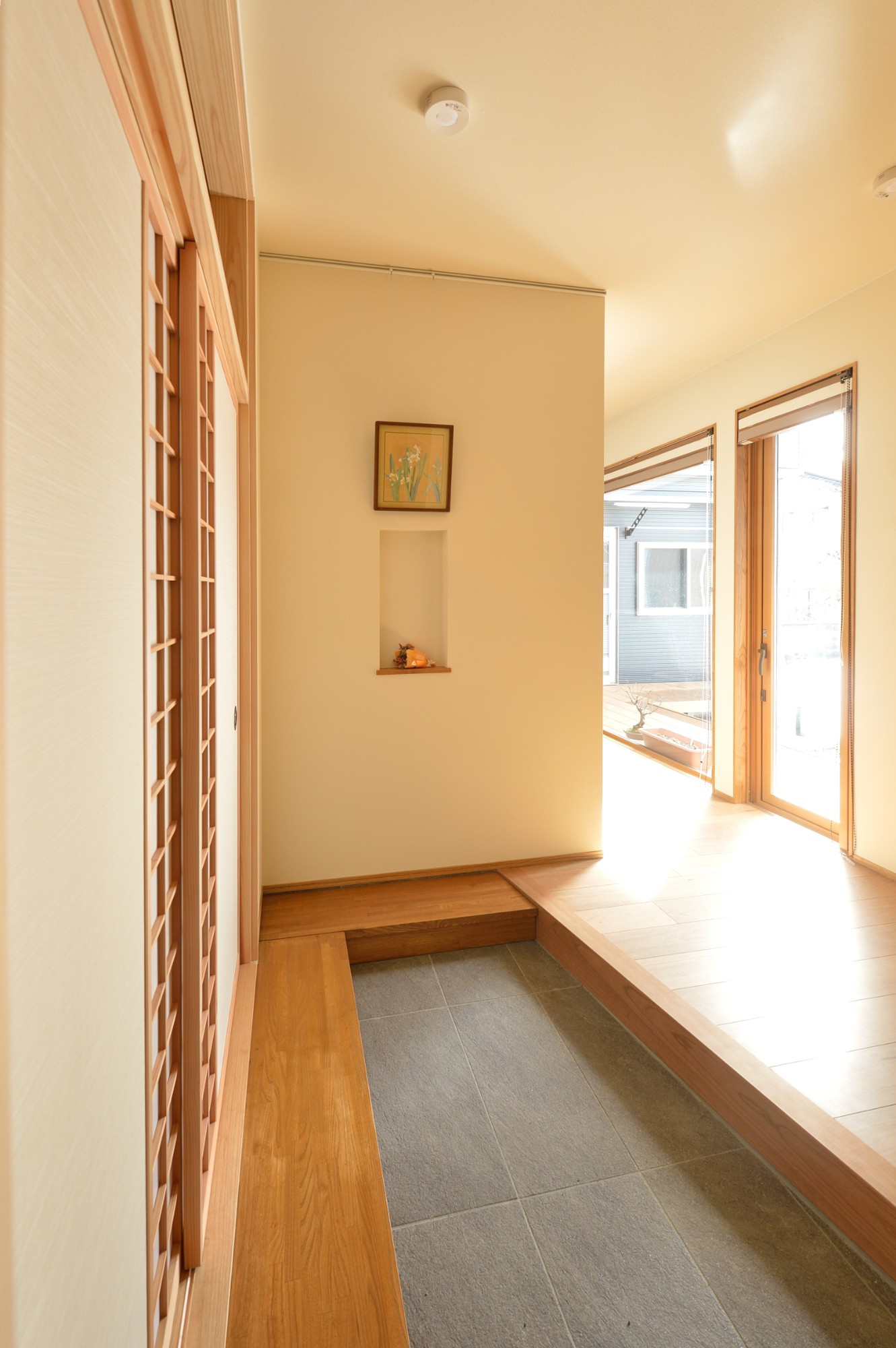 家'Sハセガワ株式会社「極み庵」のシンプル・ナチュラルな廊下の実例写真