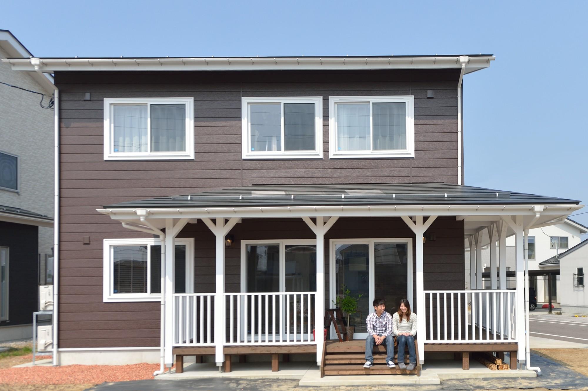 家'Sハセガワ株式会社「サニースタイルハウス」の西海岸風な外観の実例写真