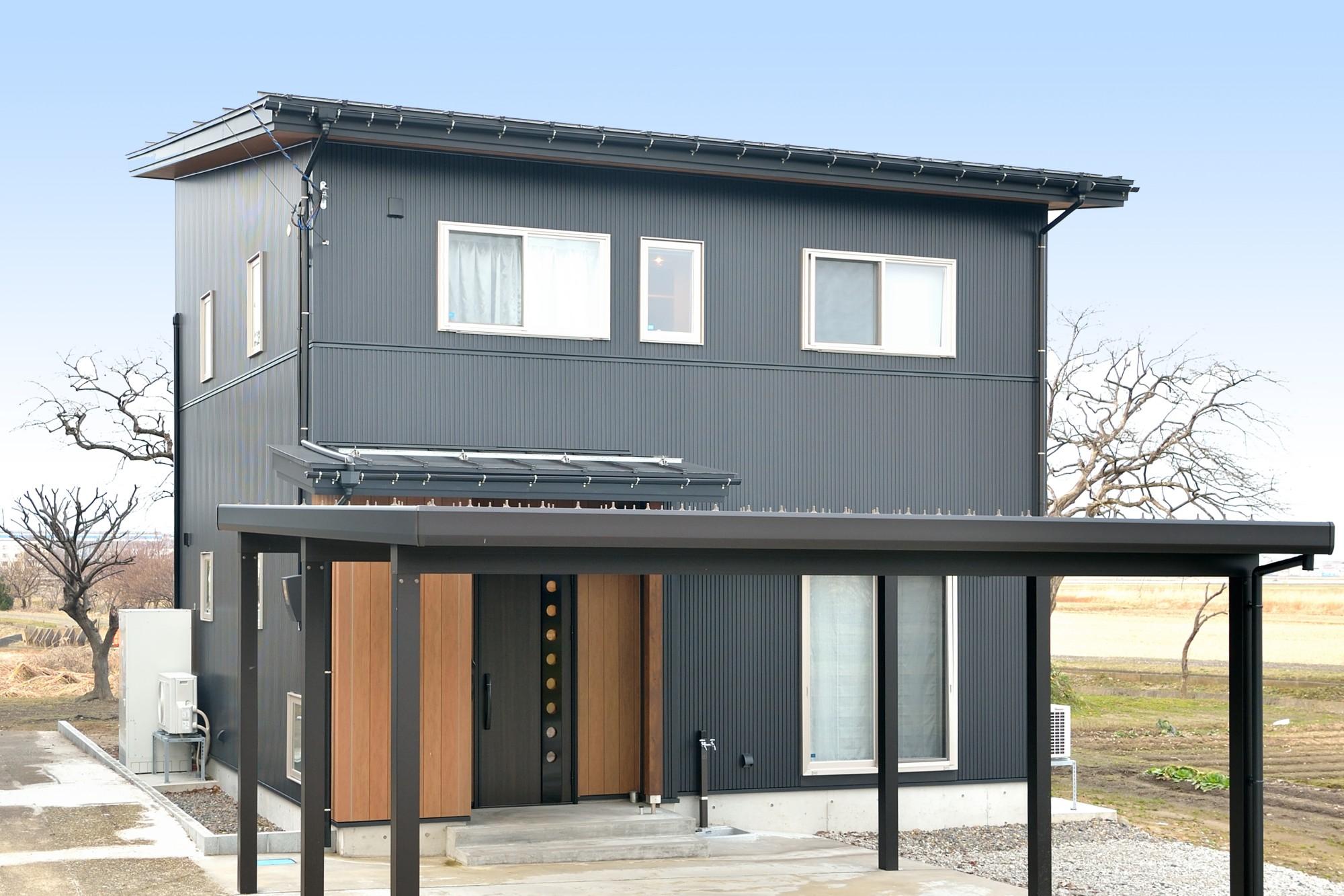 家'Sハセガワ株式会社「3R HOUSE ~ホッとくつろげる収納いっぱいの家~」のシンプル・ナチュラルな外観の実例写真