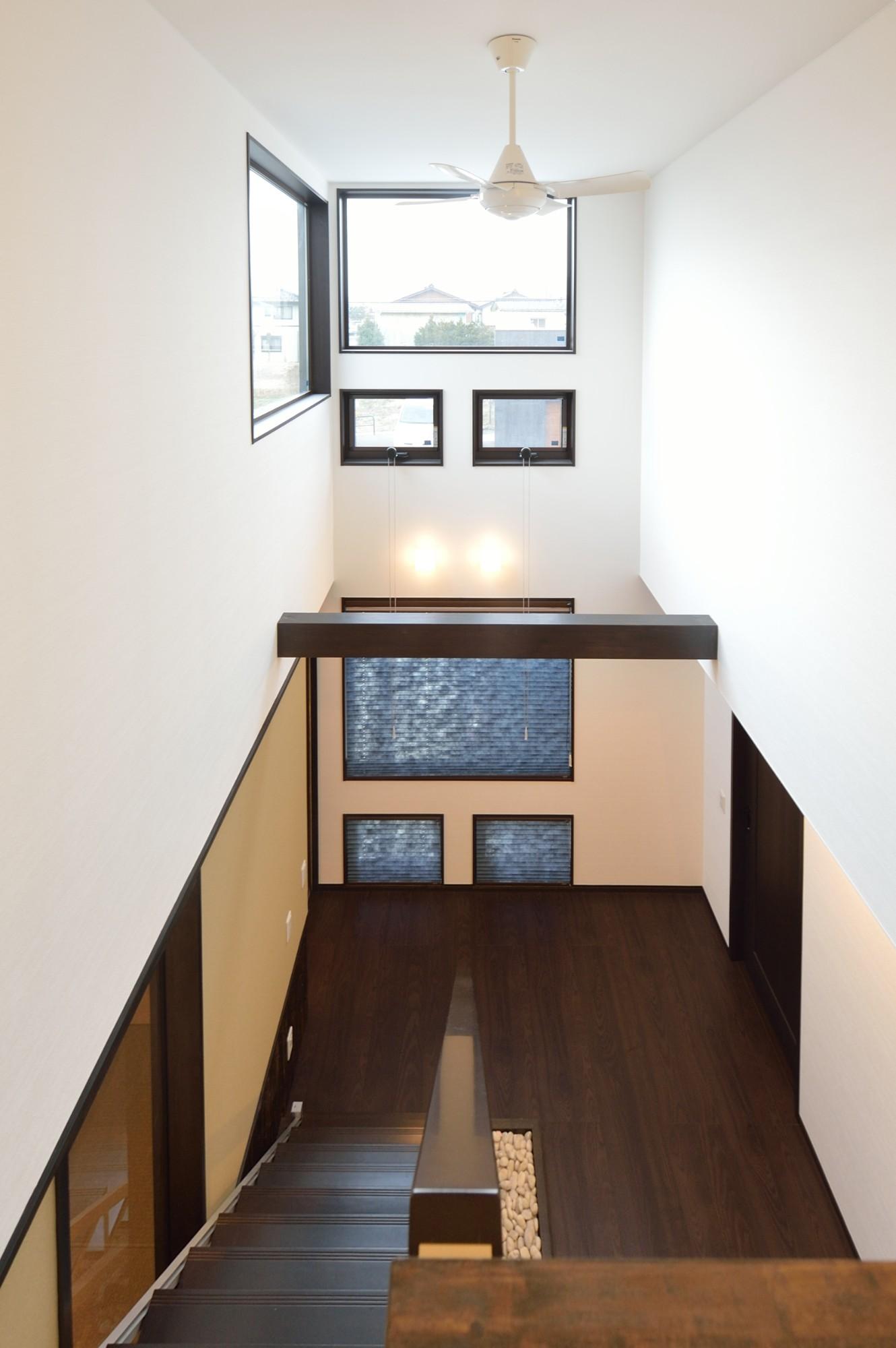 家'Sハセガワ株式会社「粋 ~SUI~」のモダンな階段の実例写真