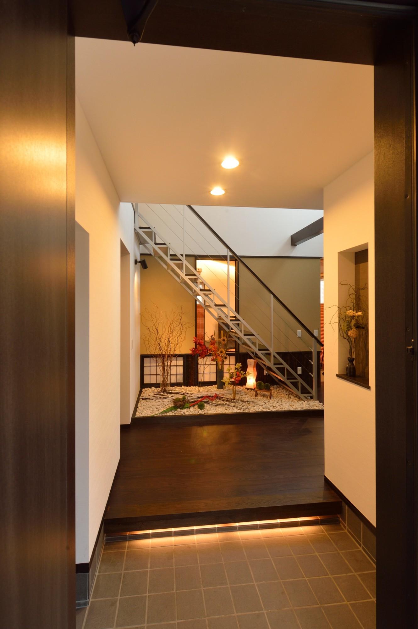 家'Sハセガワ株式会社「粋 ~SUI~」の和風・和モダンな玄関の実例写真